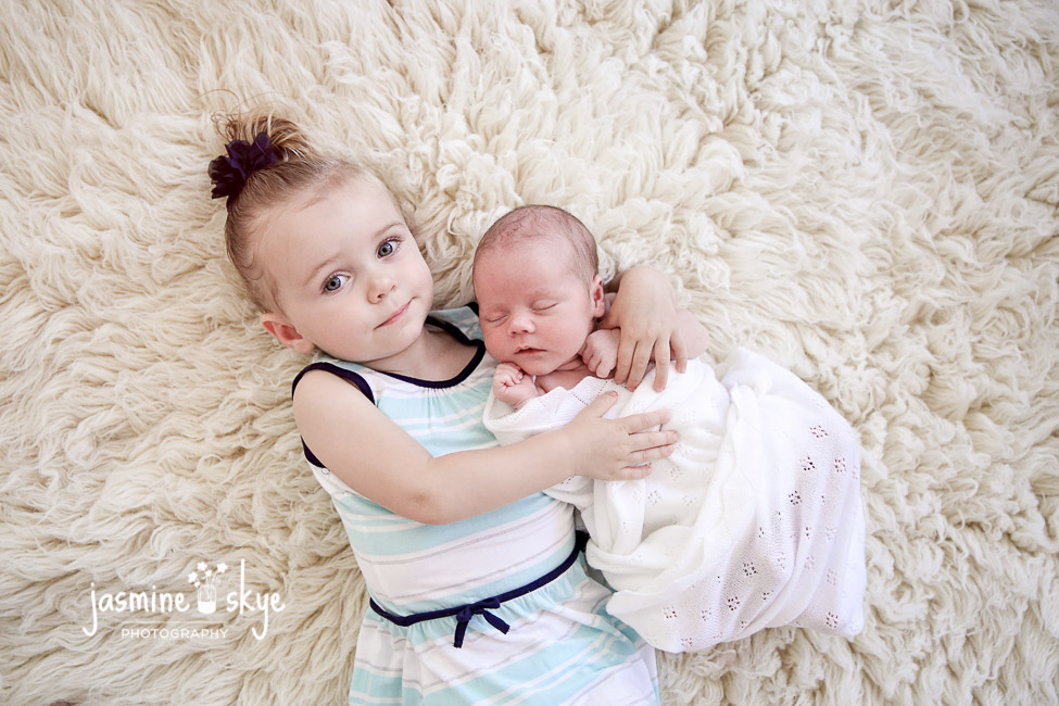 baby sibling photos